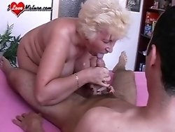 fuck her mature pussy
