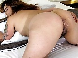 This housewife loves to show her horny style