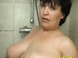 Kinky mature chubby playing with herself