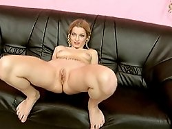 Petite slut in pussy stretching and fisting action
