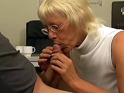 Old babe sucks and fucks