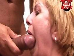 this mature slut gets a face full in the bathroom